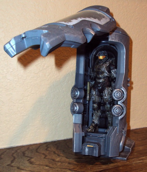McFarlane Toys Halo 4 Cryotube Master Chief 03