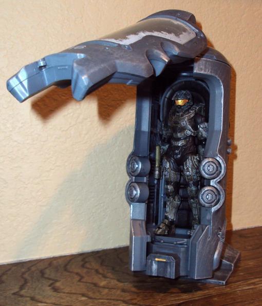 McFarlane Toys Halo 4 Cryotube Master Chief 03