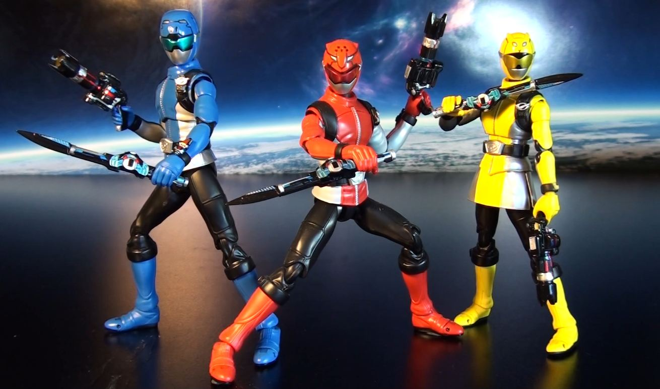 R248 Bandai S.H. Figuarts Go-Busters Blue Buster Review ...
