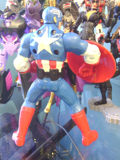 Hasbro Avengers Assemble Mighty Battlers Captain America 03