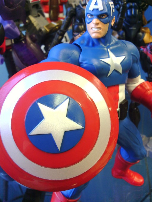 Hasbro Avengers Assemble Mighty Battlers Captain America 04