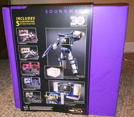 Entertainment Earth Masterpiece Transformers Soundwave