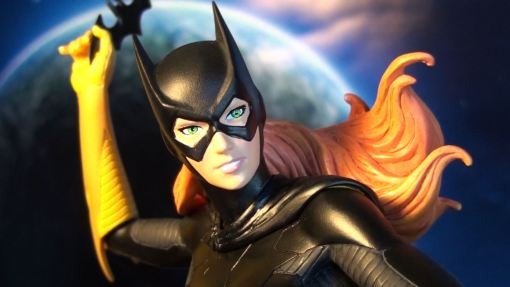 DC Collectibles Covergirls of the DCU Batgirl Statue 04