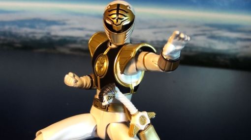 Bandai S.H. Figuarts Mighty Morphin Power Rangers White Ranger 03