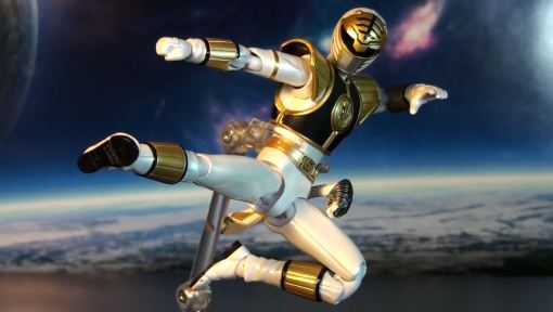 Bandai S.H. Figuarts Mighty Morphin Power Rangers White Ranger 05