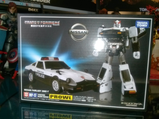 Takara Transformers MP-17 Prowl 01