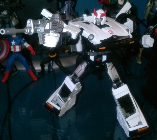Takara Transformers MP-17 Prowl 06