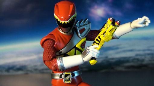 Bandai S.H. Figuarts Kyoryuger Kyoryu Red 03