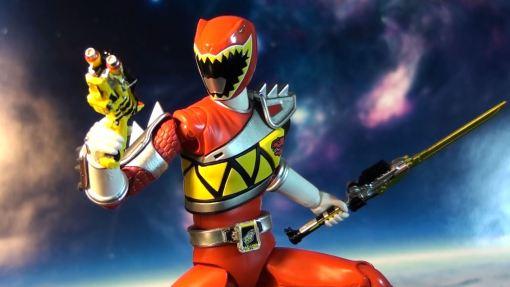 Bandai S.H. Figuarts Kyoryuger Kyoryu Red 06