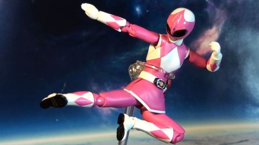 Bandai S.H. Figuarts Mighty Morphin Power Rangers Pink Ranger 03