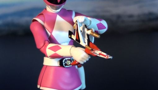Bandai S.H. Figuarts Mighty Morphin Power Rangers Pink Ranger 05