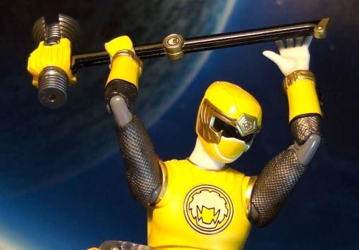 Bandai S.H. Figuarts Hurricanger Hurricane Yellow 02