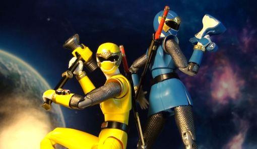 Bandai S.H. Figuarts Hurricanger Hurricane Yellow & Blue 05
