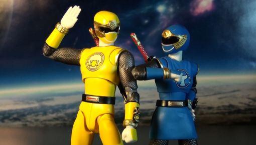Bandai S.H. Figuarts Hurricanger Hurricane Yellow & Blue 06