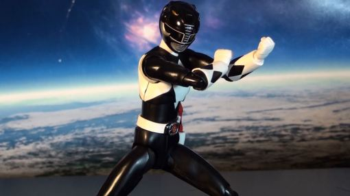 Bandai S.H. Figuarts Mighty Morphin Power Rangers Black Ranger 03