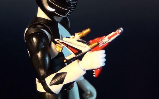 Bandai S.H. Figuarts Mighty Morphin Power Rangers Black Ranger 05