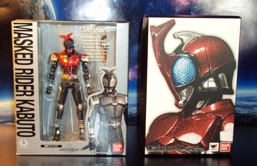 Masked Rider Kabuto Version 1 vs. Renewal 01