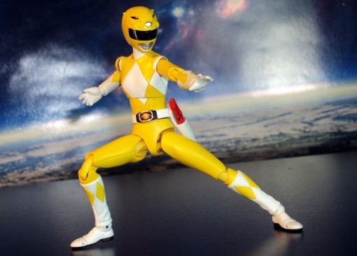Bandai S.H. Figuarts Mighty Morphin Power Rangers Yellow Ranger 03