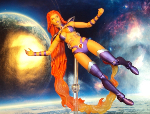DC Collectible Red Hood and the Outlaws Starfire 03