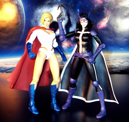 DC Collectibles New 52 Worlds' Finest Huntress Power Girl 2-Pack 02
