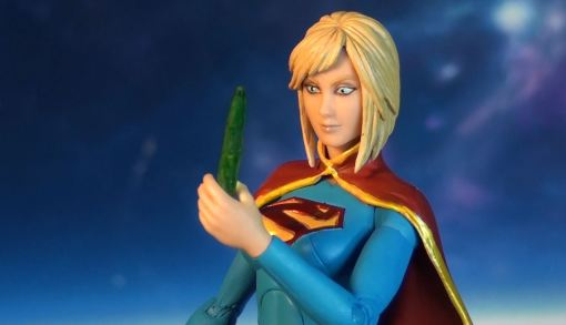 DC Collectibles Supergirl New 52 Version Action Figure 03