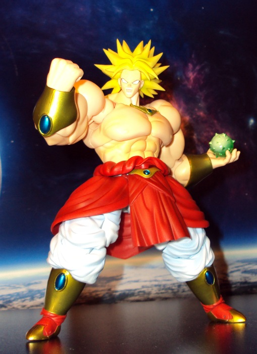 Bandai SH Figuarts Dragon Ball Z Super Saiyan Broly 02