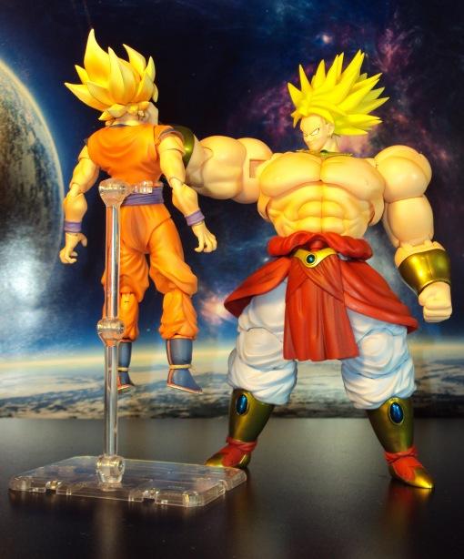 Bandai SH Figuarts Dragon Ball Z Super Saiyan Broly 04