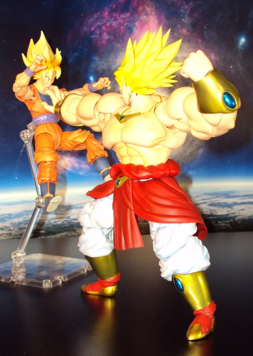 Bandai SH Figuarts Dragon Ball Z Super Saiyan Broly 06