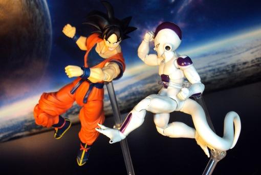 SDCC Bandai S.H. Figuarts Dragon Ball Z Son Goku Frieza Saga 08