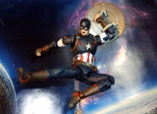 Bandai S.H. Figuarts Avengers Age of Ultron Captain America 03