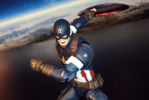 Bandai S.H. Figuarts Avengers Age of Ultron Captain America 05