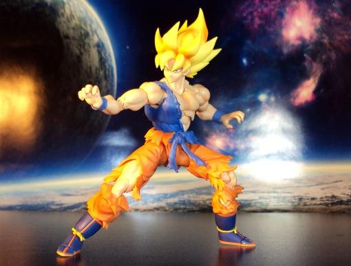 Bandai S.H.Figuarts Super Saiyan Awakening Son Goku 06