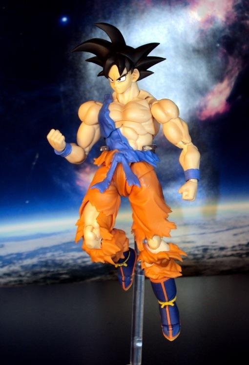 Bandai S.H.Figuarts Super Saiyan Awakening Son Goku 18