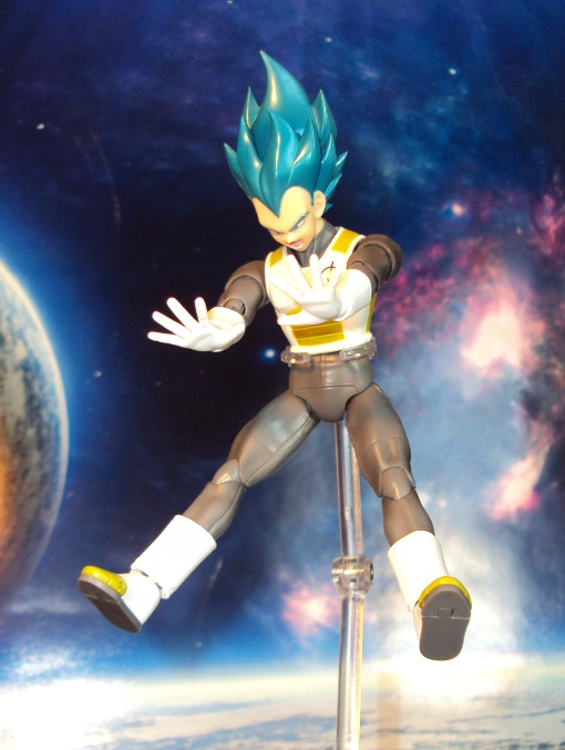 Bandai S.H. Figuarts Dragon Ball Super Saiyan Blue Vegeta 05