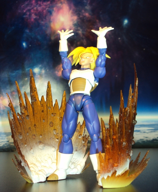 Bandai S.H. Figuarts Dragon Ball Z Super Saiyan Trunks Saiyan Armor 07