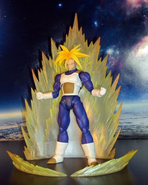 Bandai S.H. Figuarts Dragon Ball Z Super Saiyan Trunks Saiyan Armor 08