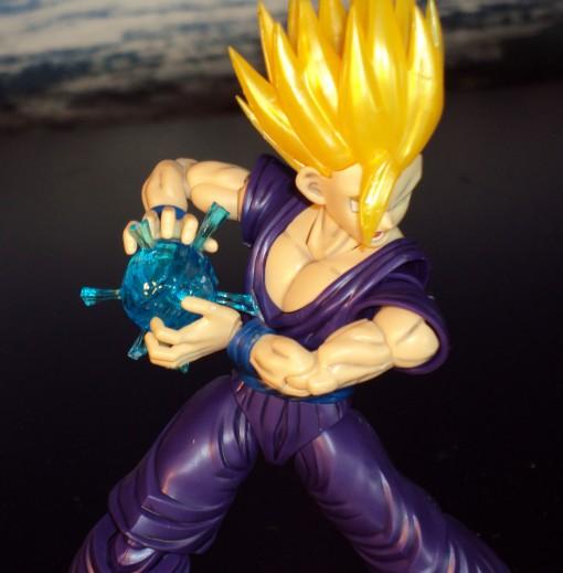 bandai-figure-rise-standard-super-saiyan-2-son-gohan-05