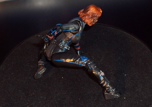 bandai-s-h-figuarts-avengers-age-of-ultron-black-widow-action-figure-12